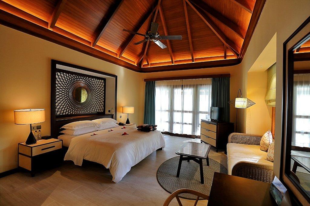 Sheraton Maldives Full Moon Resort