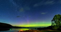 Chasing Southern Lights Tasmania JetBlogger Jensen Chua and Jetabout Holidays