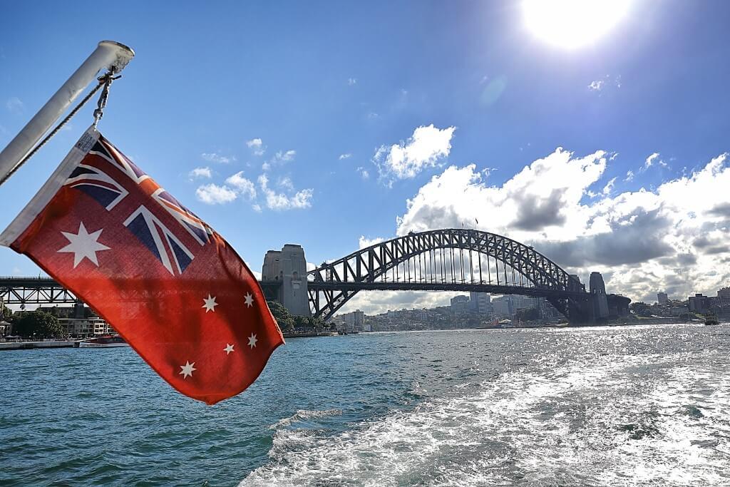 5 ways to Save money Sydney vacation by JetBlogger Jensen Chua