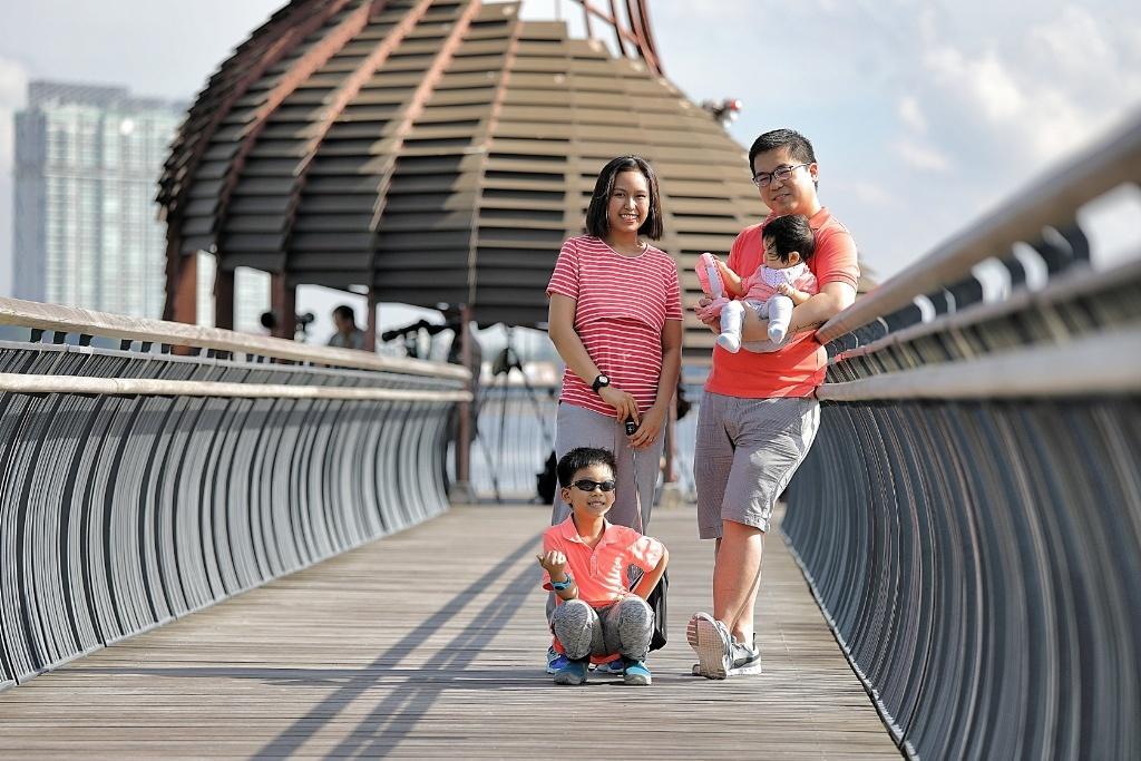 Family portrait Sungei Buloh Wetland Reserve Jensen Chua Photography